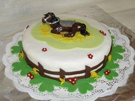 gateau anniversaire rigolo cheval