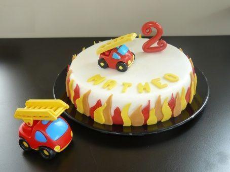 G teau d 39 anniversaire le jouet camion de pompier - Deco anniversaire pompier ...